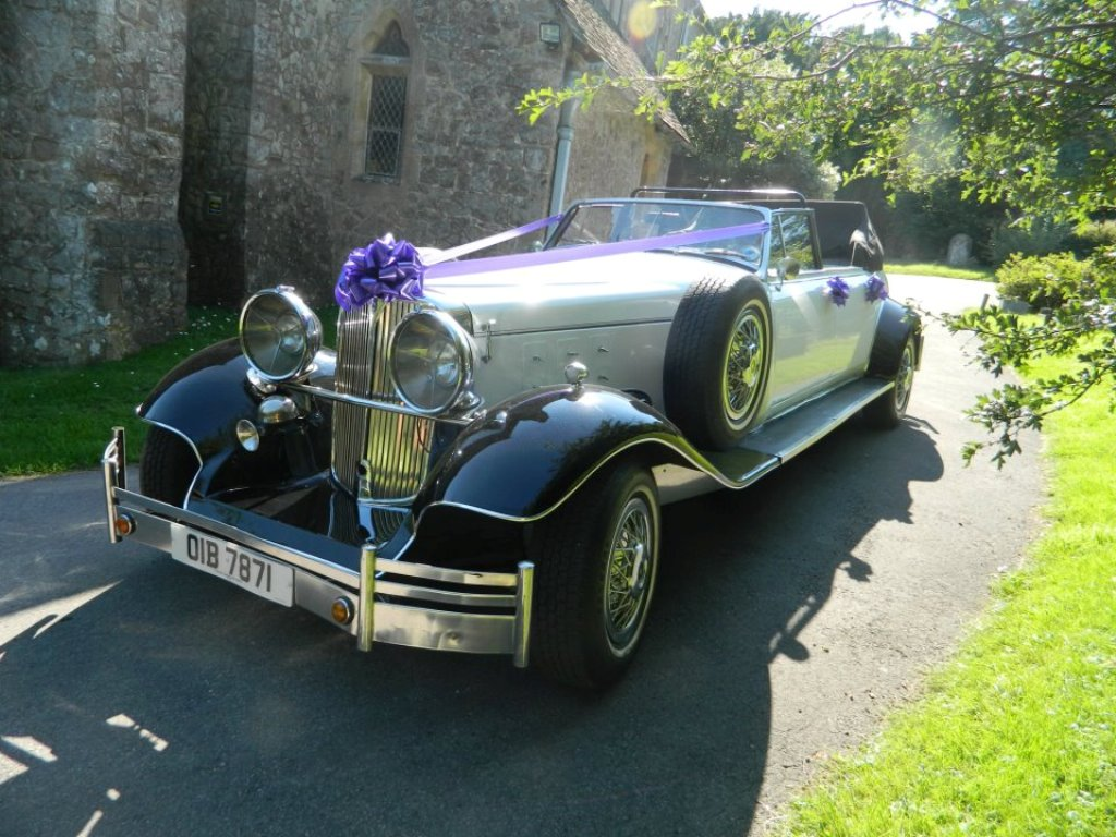 Vintage Style Wedding Car | Cruella De Vil Wedding Car ...