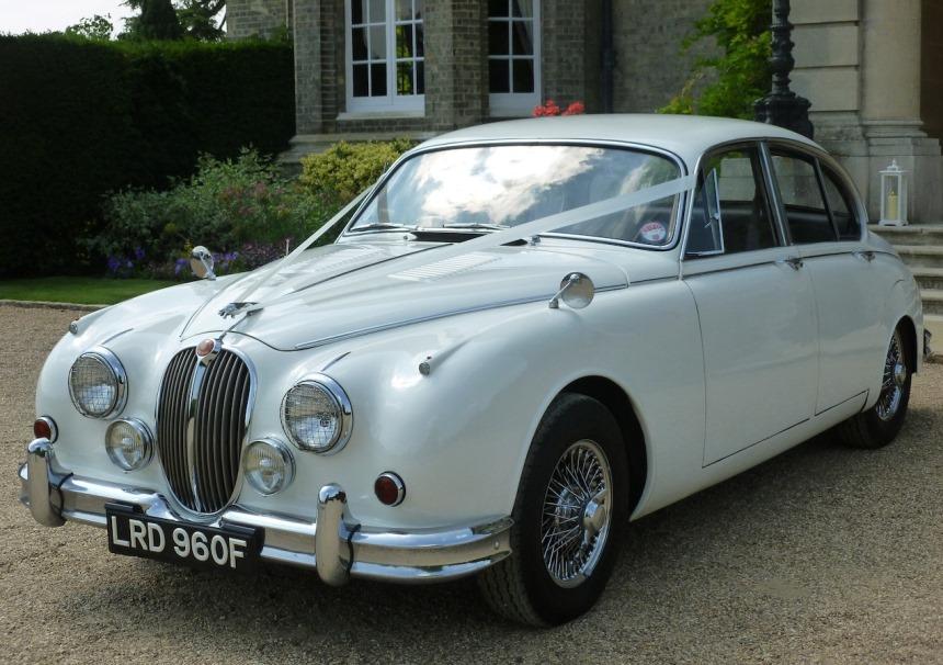 Jaguar Mk2 White Jaguar Mk2 For Weddings In Watford Hertfordshire