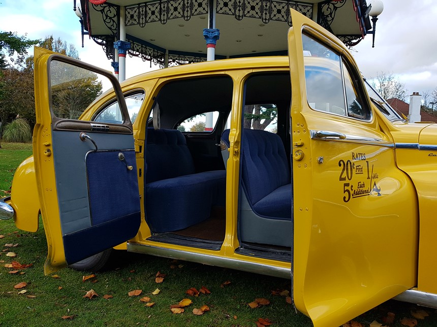 new york taxi classic american wedding car in southend. Black Bedroom Furniture Sets. Home Design Ideas