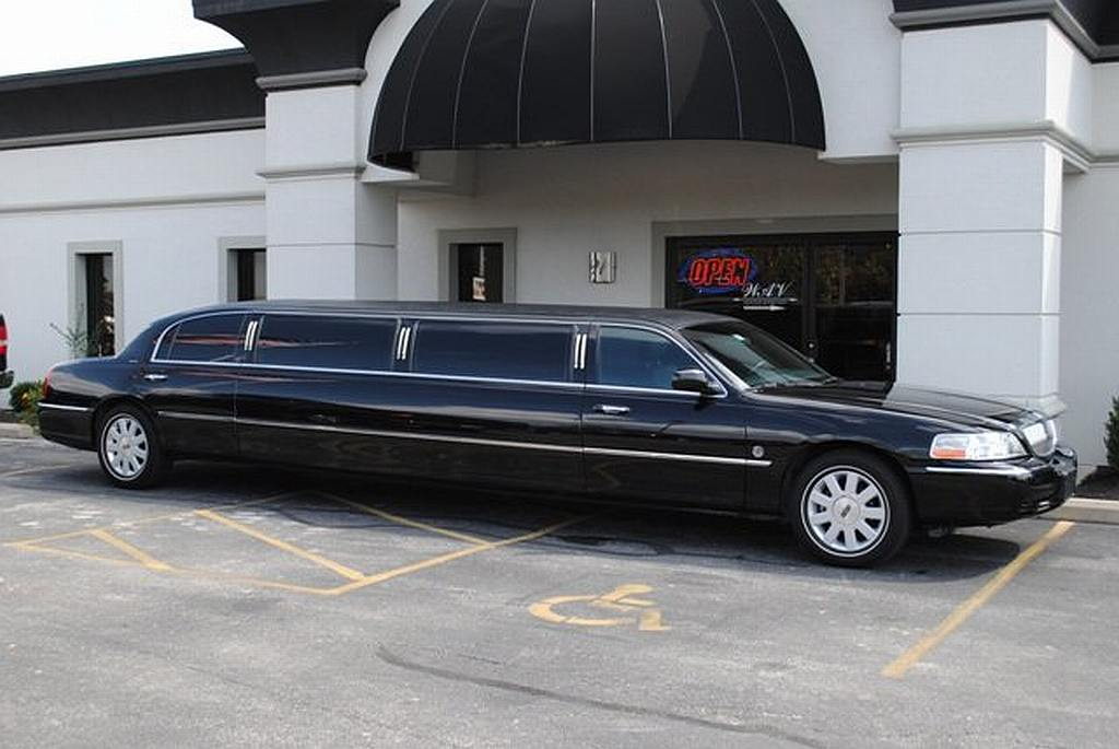 Black Limousine | Limousine For Wedding and Stag Night Hire In Essex