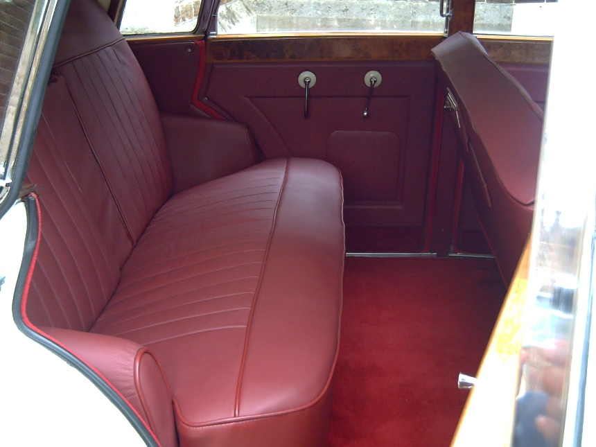classic wedding car classic wedding car in crowborough east sussex. Black Bedroom Furniture Sets. Home Design Ideas