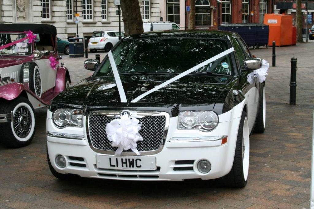 Chrysler Wedding Car Modern Wedding Car Hire In