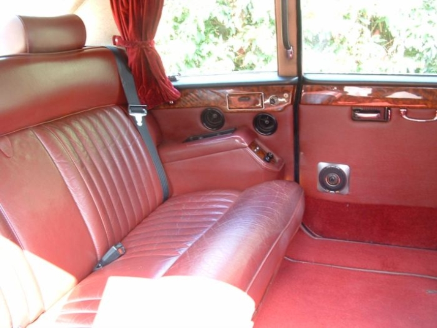 classic daimler wedding car wedding hire in london and hertfordshire. Black Bedroom Furniture Sets. Home Design Ideas