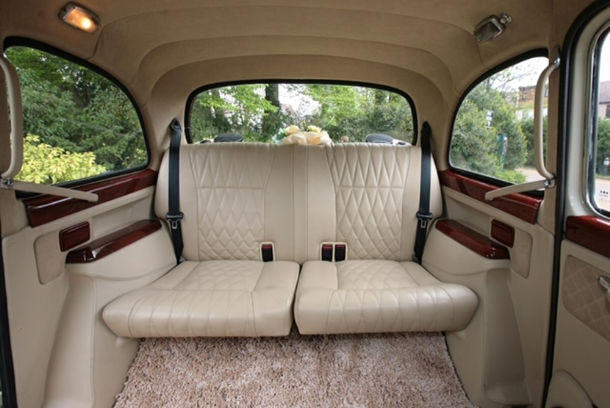 london taxi ivory classic london taxi for weddings in london. Black Bedroom Furniture Sets. Home Design Ideas