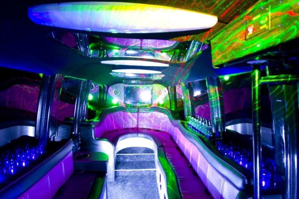 Party Bus Hire Party Bus For Weddings In Braintree Essex