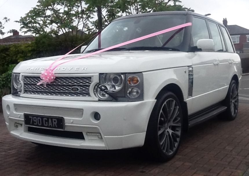 range rover white range rover for wedding hire in. Black Bedroom Furniture Sets. Home Design Ideas