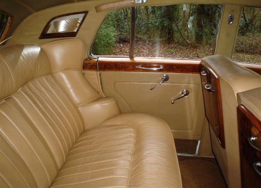 rolls royce silver cloud rolls royce wedding car in horley surrey. Black Bedroom Furniture Sets. Home Design Ideas
