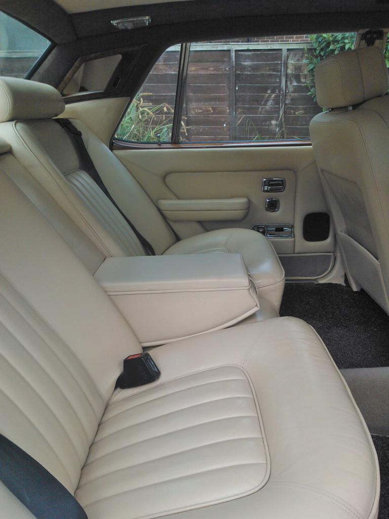 classic rolls royce silver spirit wedding car hire hire deal kent. Black Bedroom Furniture Sets. Home Design Ideas