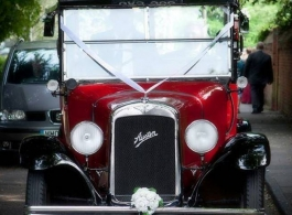 Vintage Austin Taxi for wedding hire in Richmond