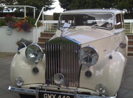 Vintage Rolls Royce for weddings in Kingston Upon Thames