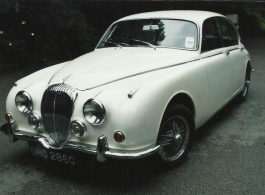 Classic Daimler V8 for weddings in Warminster