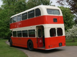 Vintage wedding bus for hire in Worcester