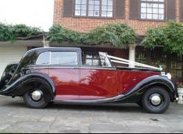 Vintage Rolls Royce for weddings in Dartford