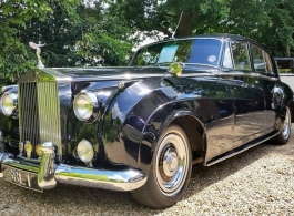 Classic Rolls Royce Silver Cloud for wedding hire in Windsor