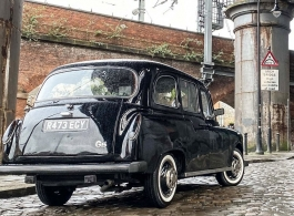 Black London Taxi for weddings in Manchester