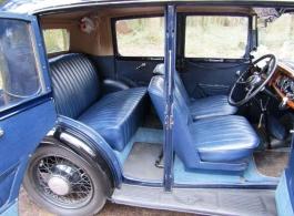Vintage car for weddings in Worcester