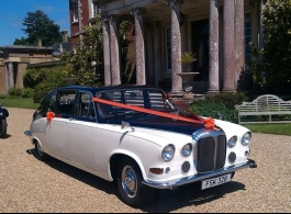 Daimler Bridesmaids car for weddings in Fareham