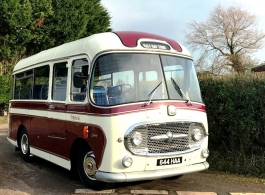 Vintage and classic bus for weddings in Hastings