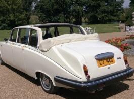 7 seat Daimler for weddings in Tonbridge