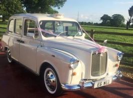 Classic London Taxi for weddings in Watford