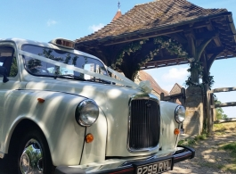 Classic London Taxi for Wedding hire in Camberely