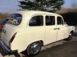 White London taxi for wedding hire in Reading