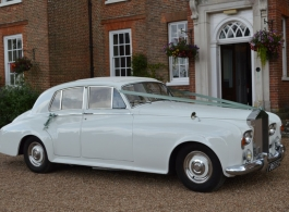 Classic 1960s Rolls Royce for weddings in Westerham