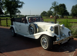 Vintage style Beauford for weddings in Edgeware