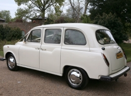 Classic Ivory taxi for wedding hire in Richmond