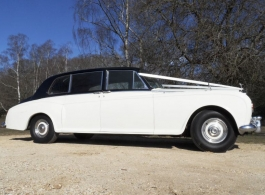 Classic 1960s Rolls Royce Phantom for weddings in Winchester