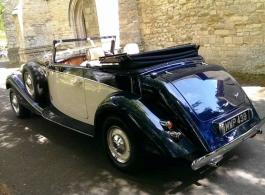 Blue and Cream vintage Jaguar wedding hire in Windsor