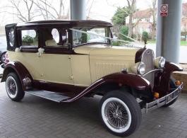 Vintage Badsworth wedding car in Reading