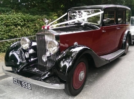 Vintage Rolls Royce for weddings in Ashford