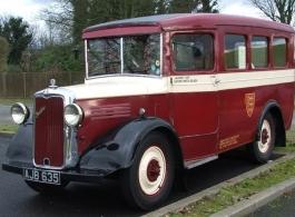 1930s vintage bus for weddings in Romsey