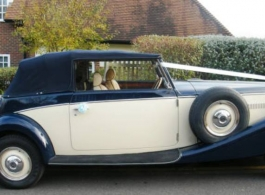 Vintage convertible Jaguar for wedding hire in Reading