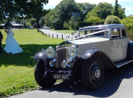 Vintage Rolls Royce wedding car in Tonbridge