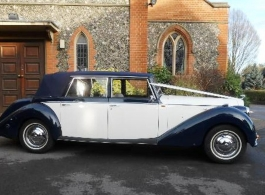 1950s style car for weddings in Wimbledon