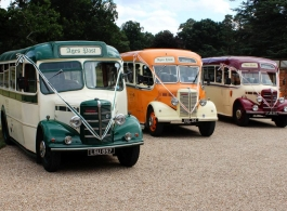 1940s vintage bus for weddings in Wokingham