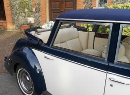 Royale Windsor wedding car in Richmond