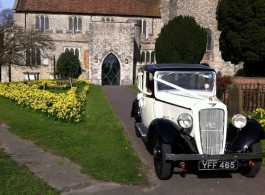 Vintage 1935 wedding car hire in Windsor