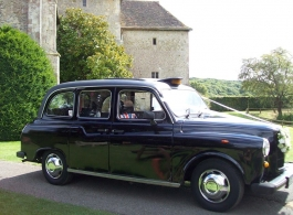 Black Cab for wedding hire in London