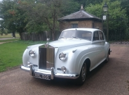 Classic Rolls Royce wedding car hire in London