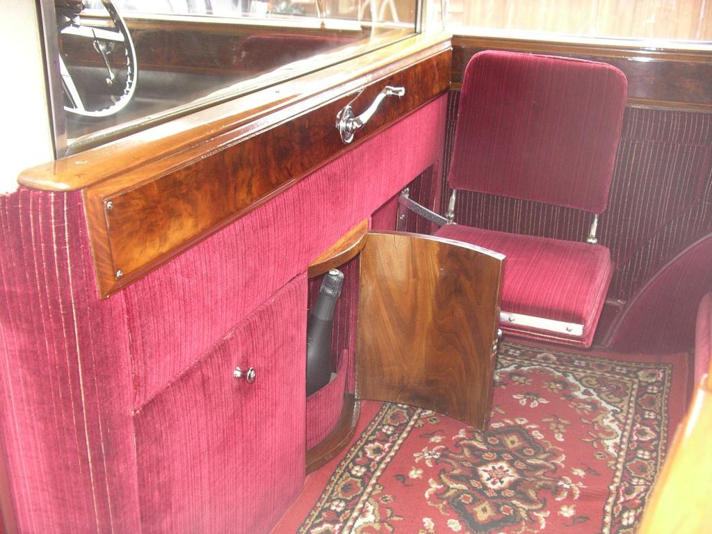 vintage rolls royce rolls royce wedding car hire in hook hampshire. Black Bedroom Furniture Sets. Home Design Ideas