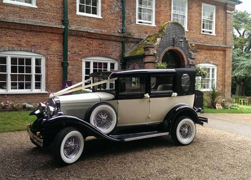 Vintage Car | Vintage Style wedding Car For Hire In Reading, Berkshire